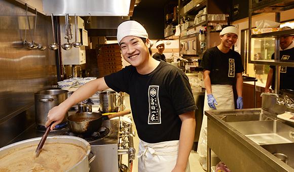 中華蕎麦 とみ田 採用サイト|働く職場をご紹介